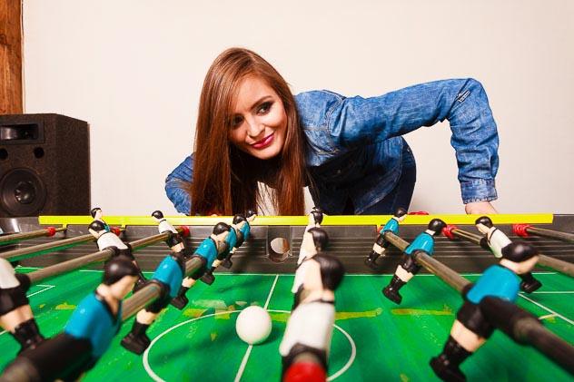jugar al futbolin